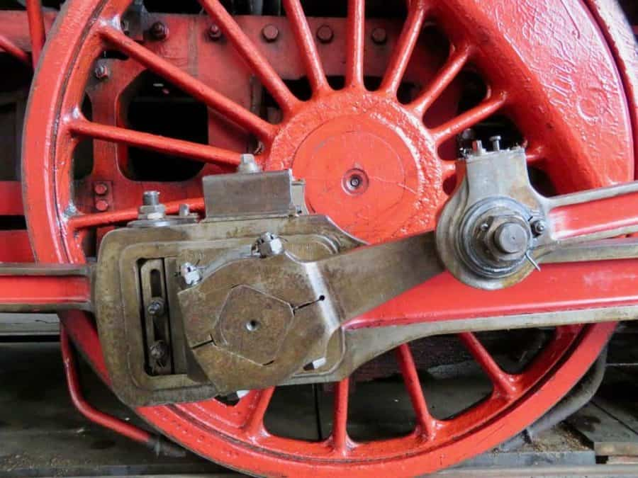 steam engine wheel (author Christoph Amthor)